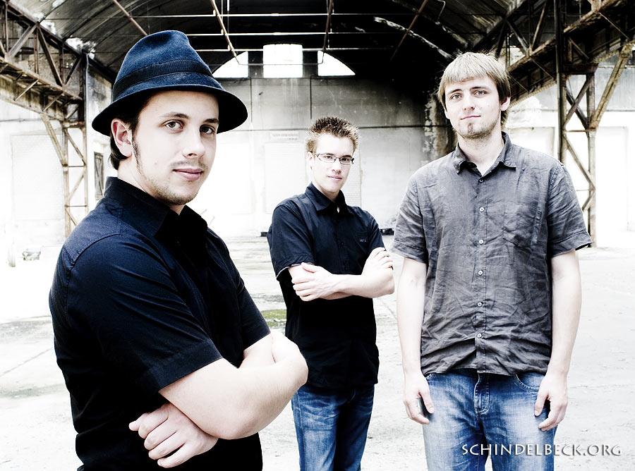 Bandfoto: Krassport. Manuel Krass, Daniel Weber und Johannes Schmitt - Foto Schindelbeck