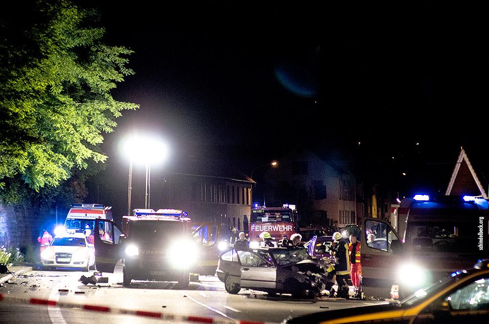 Schwerer Verkehrsunfall am Ortausgang Neckarsteinach Richtung Neckargemünd am 29.06.2013 - Photo Schindelbeck